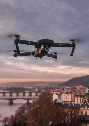 Droner Til Undsætning